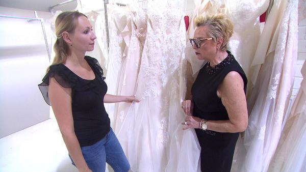Jeder darf ein Kleid aussuchen