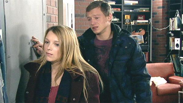 Lilly flüchtet zu Vince
