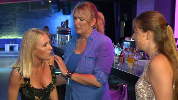 Schwestern streiten sich um Bräutigam
