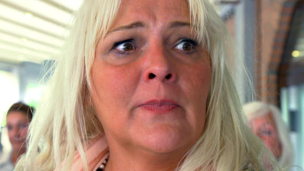 Mutter ist geschockt über die geplatzte Hochzeit ihre Sohnes