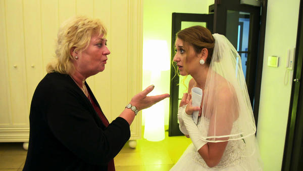 Brautmutter traut Schwiegersohn nicht über den Weg