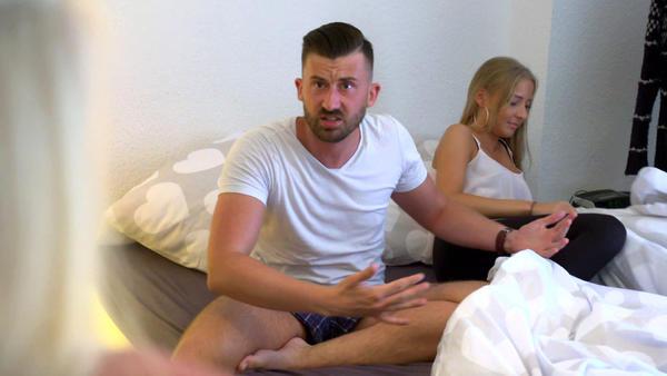 Braut findet fremde Frau im Bett ihres Bräutigams