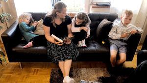 Olga und Roman erziehen ihre Kinder nach der Bibel