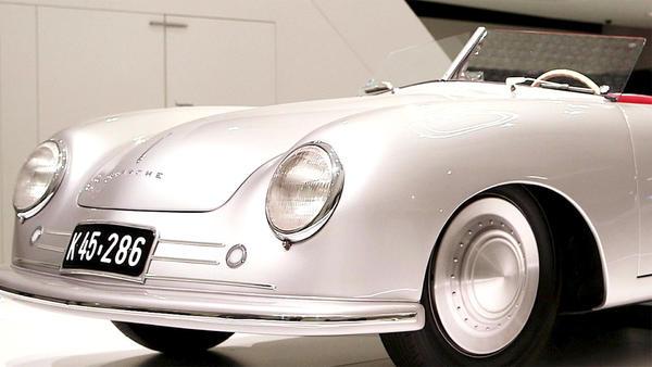 Thema u.a.: Eine Nacht im Porsche-Museum