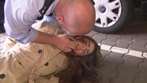 Bewusstloses Mädchen auf Parkdeck | Überfall im Pfandleihhaus
