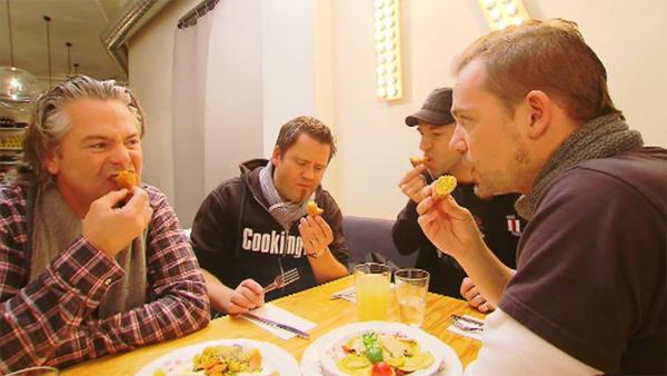 """Die Kochprofis im Restaurant """"Roecklplatz"""" (1)"""