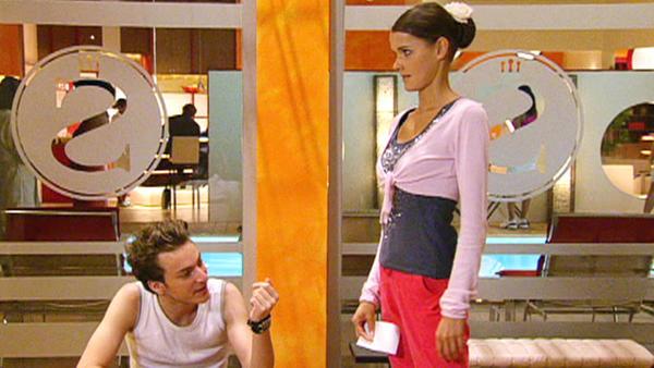 Julian sagt die Verlobung ab