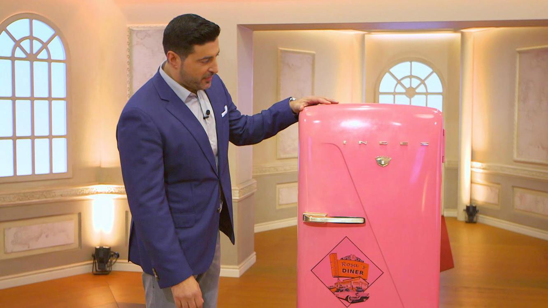 Kühlschrank Rosa : Kühlschrank porzellan spielautomat biedermeier sofa die