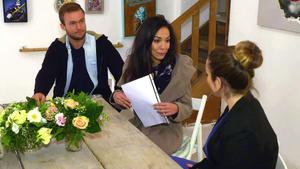 Brautpaar will günstige Hochzeit