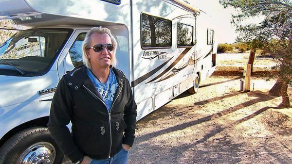 Eine Millionärsfamilie auf Campingtour