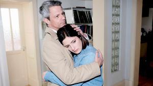 Larissa befürchtet, dass Mick sie betrügt