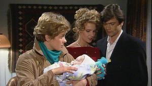 Michaels und Iris' Familienglück zerbricht. Saskias Neugierde zwingt Milla zu weiteren Lügen.
