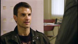 Oliver hat Morphium gestohlen und wird gefeuert.