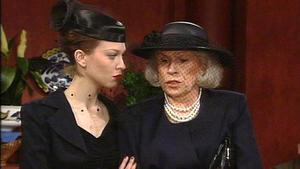 Beatrice überträgt Tina einen hohen Posten im Konzern