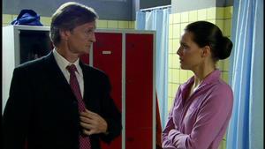 Jenny schlägt Ackermanns unmoralisches Angebot aus