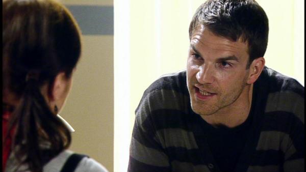Oliver bittet Vanessa, ihm beim Entzug zu helfen