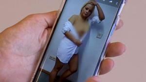 Schülerin macht Nacktfotos?