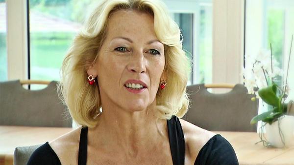 Bettina vs. Angela