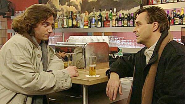 Wolfgang ist überzeugt, dass Irene ihn betrogen hat.