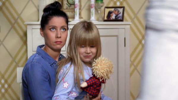 Amelie hat eine Überraschung für ihre Mutter