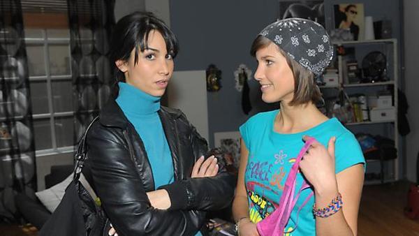 Ayla macht Pia eine resolute Ansage