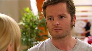Juli und Oliver stehen vor dem endgültigen Aus ihrer Ehe.