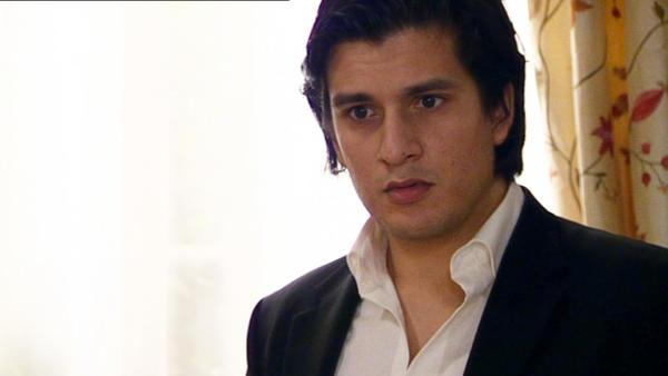 Maximilian erfährt, dass Simone Schuld am Scheitern seiner Ehe trägt.