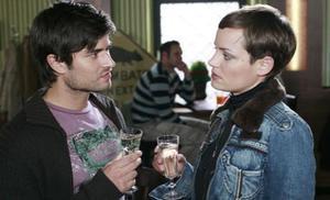 Lara gesteht Paco ihr Schäferstündchen mit Malte