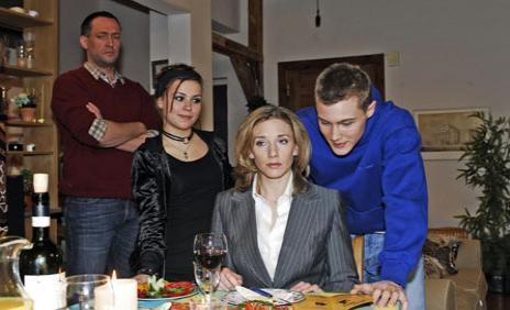 Iris konfrontiert ihre Kinder mit ihren Plänen