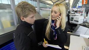 25-Jährige lässt Kind am Flughafen zurück