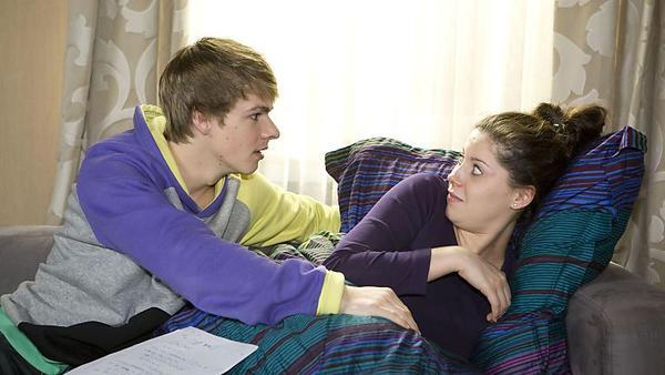 Sina und Moritz im Bett!