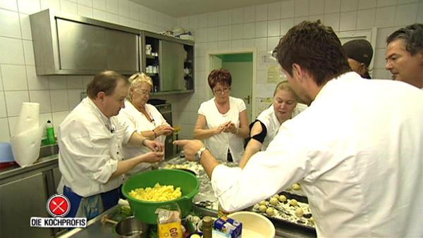 """Die Kochprofis im """"Lindenhof"""""""