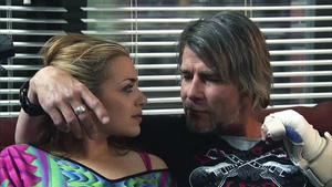 Emily feiert ausgelassen mit Kurt!