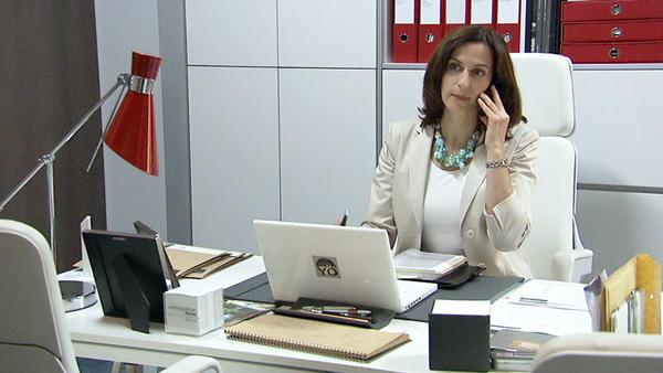Katrin stürzt sich in die Arbeit!