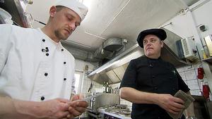 """Die Kochprofis im Restaurant """"Friesen-Flair"""""""