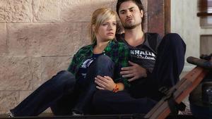 Anna und Paco in Trauer